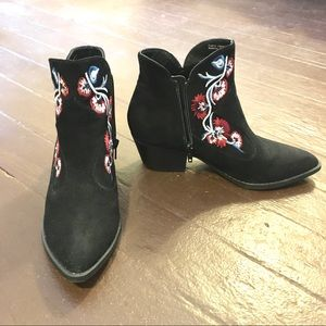 Embroidered Carlos Santana Western Bootie